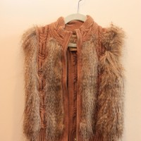 KNIT VEST WITH FUR 1